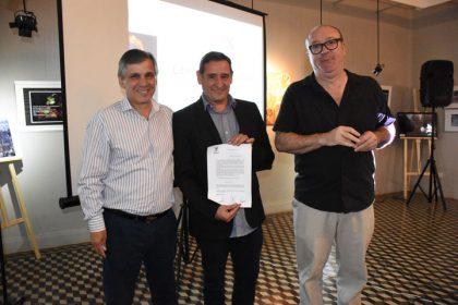 Alonso Arévalo disertó en el Museo y fue reconocido por las autoridades