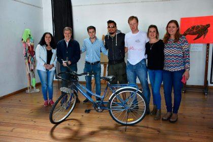 """""""Chivilcoy en Bici"""" entregó su segunda bicicleta"""