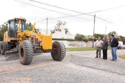 Finaliza la colocación de piedra caliza en calle 88 y Alvear