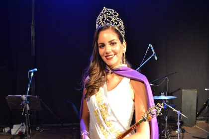 La chivilcoyana Paula Burcez fue elegida reina de la 34ª Fiesta Provincial de la Primavera en Rawson