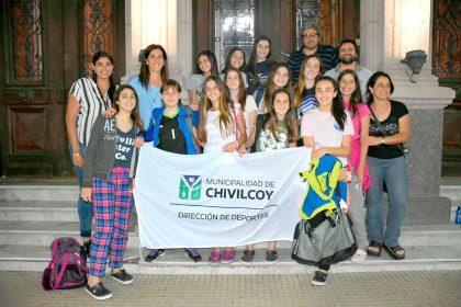 El equipo de handball femenino viajó al Sudamericano de Bolivia