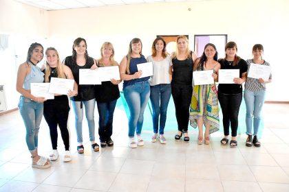 Fueron entregados diplomas del curso de Estética Corporal en el CIC Sur