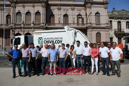 Presentaron nuevas maquinarias para la recolección de residuos y una mini-cargadora [Video]