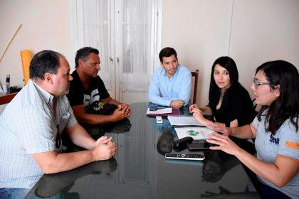 Funcionarios municipales se reunieron con representantes de agencias de automóviles