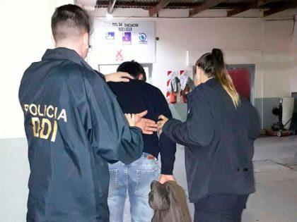 Detienen a un sujeto por robar en una estación de servicio y tenencia de estupefacientes
