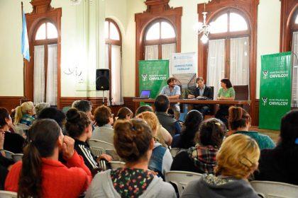 """Se realizó la charla informativa """"Formas asociativas para la agricultura familiar"""""""