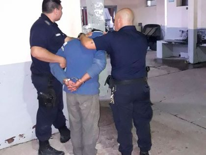 Un detenido por violación de perímetro de restricción, lesiones leves y daño