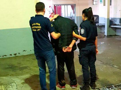 Detienen a una persona por violación a la Ley de Drogas