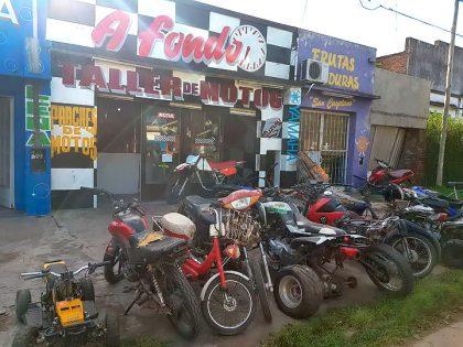 Inspeccionan un taller de motos y secuestran dos motocicletas