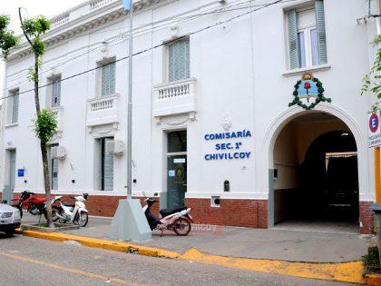 Detienen a un menor que robó en el Jardín Venezuela y, tras ser perseguido, atacó a la policía