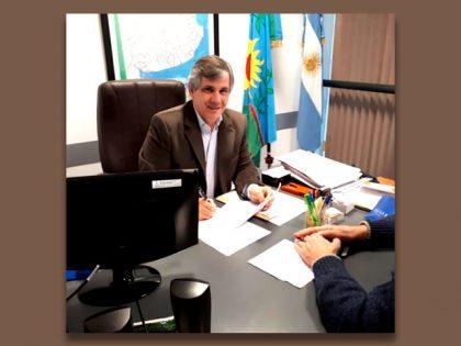 El intendente firmó acuerdos con la Provincia para obras de cloacas en dos barrios de la ciudad