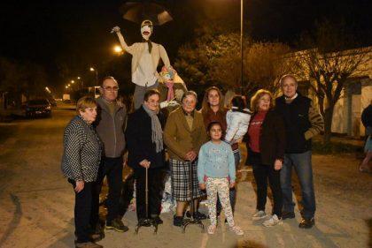 Quema del muñeco de San Juan en la calle 88