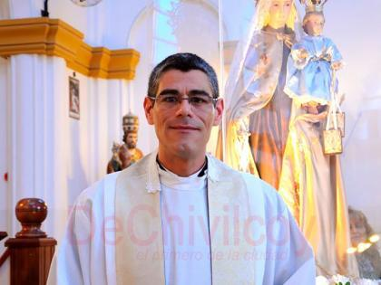 El padre Gustavo González realizó un casamiento en la cárcel de Junín